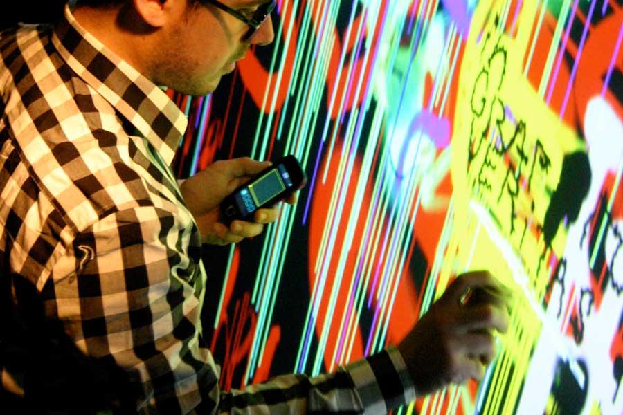 Graffiti numérique - animation digitale soirée - connecté smartphone