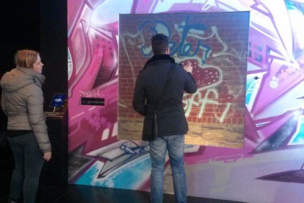 Animation graffiti digital - Graffiti numérique - Street art - Art numérique - Peugeot